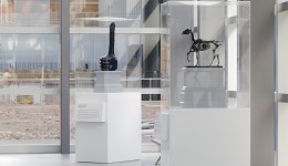 David Shrigley's 'Really Good' and Hans Haacke's 'Gift Horse' 2015